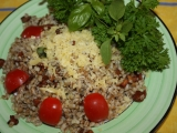 Krupoto s houbami a bazalkou recept