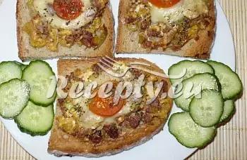 Topinky s kuřecí masovou směsí recept  topinky, toasty, sendviče ...