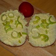 Česneková pomazánka s taveným sýrem recept