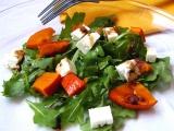 Salát z rukoly s pečenou dýní a sýrem feta recept
