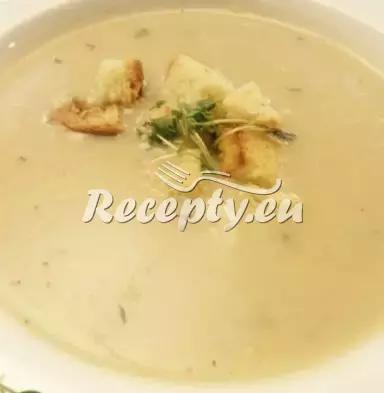 Květáková polévka po francouzsku recept  polévky
