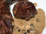 Hanger steak s přelivem ze zeleného pepře recept