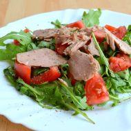 Salát s rukolou, tuňákem a rajčaty recept