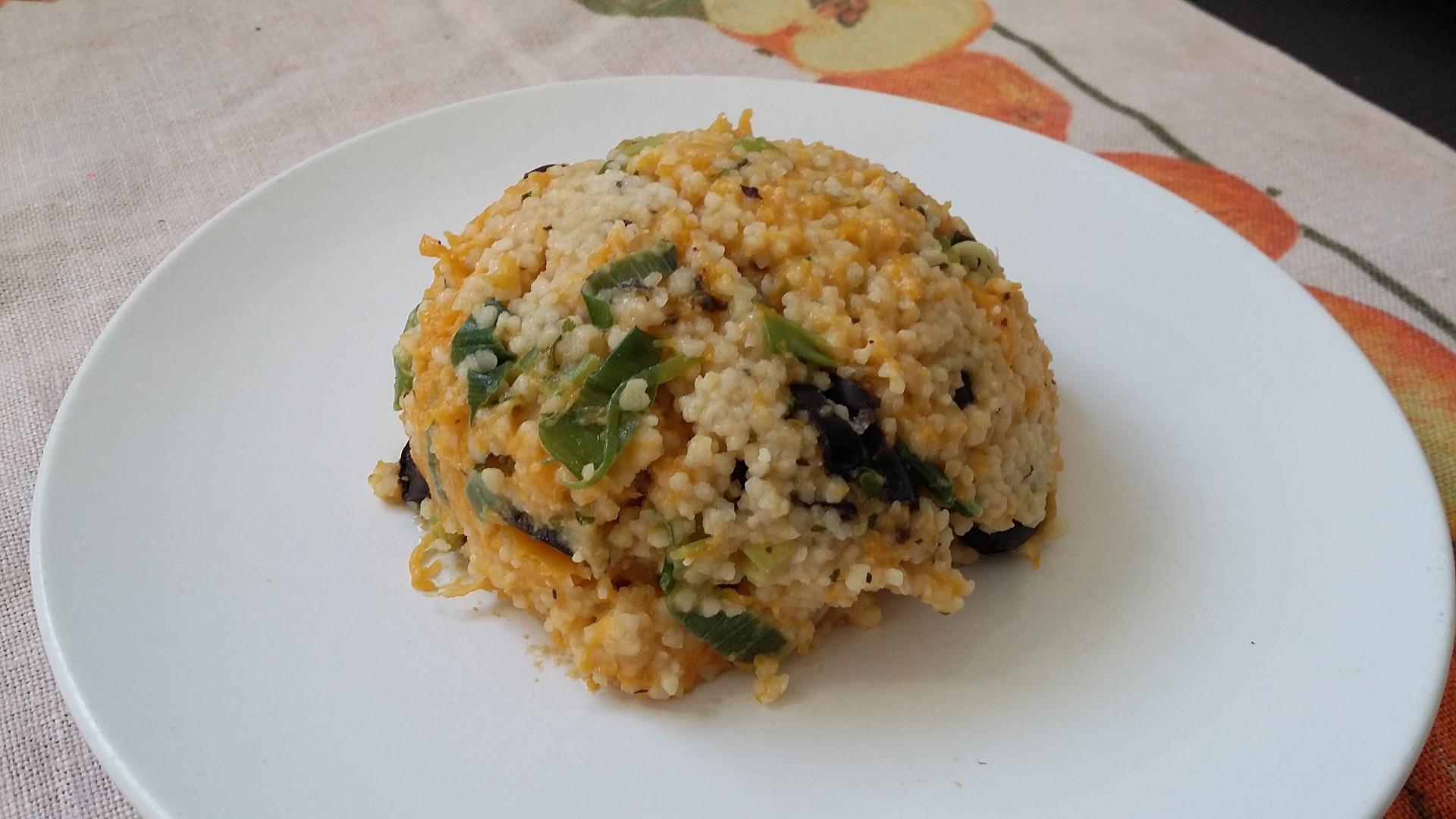 Kuskus s máslovou dýní a olivami recept