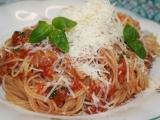 Rychlé špagety s tuňákem a rajčaty recept