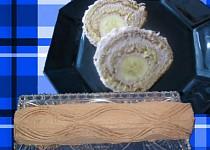 Banánová roláda s tvarohovo-makovou náplní a višněmi recept ...