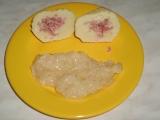 Bramborové knedlíky (z bramborové kaše) plněné uzenou krkovicí ...