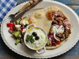 Řecké menu  gyros, tzatziki, řecký salát, pita recept