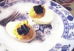 Plněná vejce s kaviárem