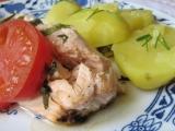 Pečený losos s bazalkou a rajčaty recept