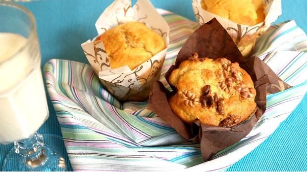 Muffiny s ječnou moukou v řeckém stylu