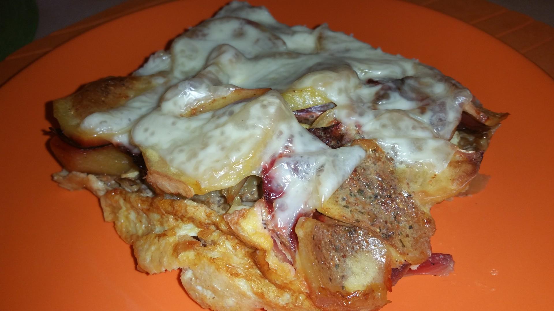 Zapékané brambory s mletým masem a červenou řepou recept ...