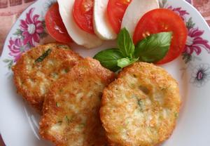 Cuketové placičky s mozzarellou (tofu)