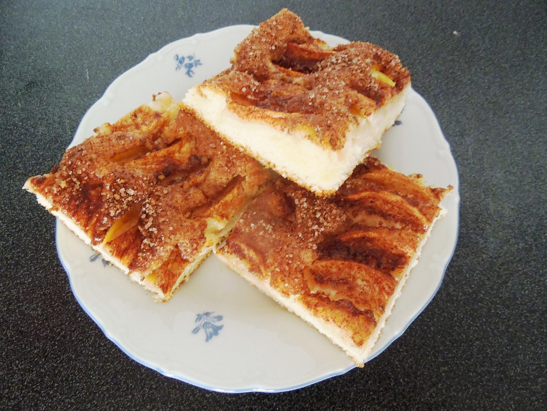 Jablkovo-skořicový koláč recept