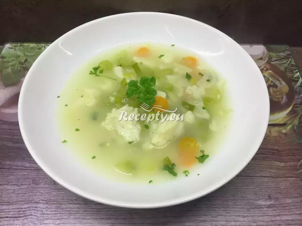Květáková polévka s kurkumou recept  polévky