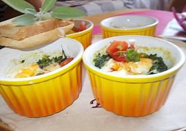 Misky zapečené se špenátovým hnízdem recept