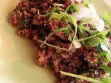 Dvoubarevná quinoa na šalotce, cuketě a žampionech recept ...