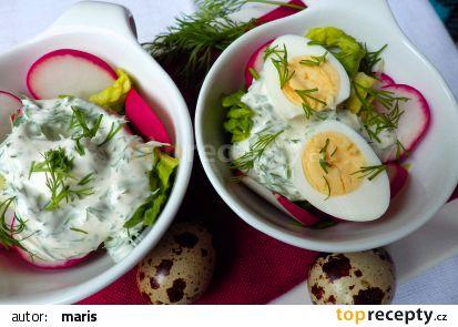 Ředkvičky se salátovými srdíčky se smetanovou zálivkou s koprem ...