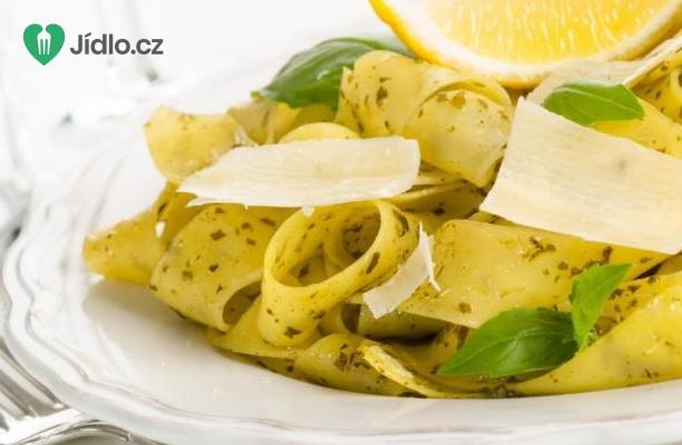 Recept Jarní zeleninové tagliatelle s citronem a pažitkou