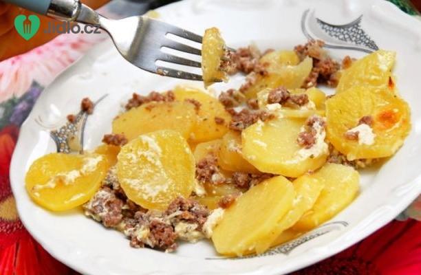 Recept Zapečené brambory s mletým masem