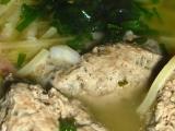 Kuřecí vývar s játrovými noky recept