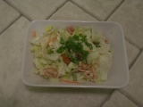 Salát se sýrem a bazalkou recept