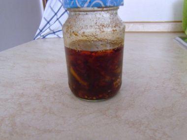 Chilli česnekový olej