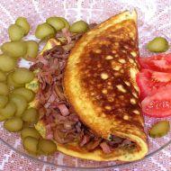 Vaječná omeleta plněná šunkou a žampiony recept