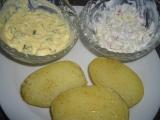 Pečené brambory se dvěma omáčkami recept