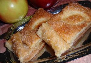 Jablečný cukrový závin (štrúdl) ze sterilovaných jablek