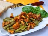 Teplý fazolkový salát s liškami recept