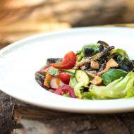 Křupavý salát s koriandrem recept