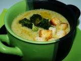 Brokolicová polévka se sýrem a smetanou recept
