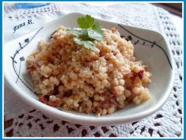 Zapečená tarhoňa se sušenými rajčaty, prosciuttem a špetkou šafránu