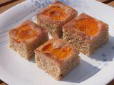 Obrácené Rafaello řezy s meruňkami recept