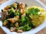Brokolice s cuketou a kuřecími kousky recept
