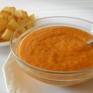 Fritované brambory s pikantní rajčatovou omáčkou recept