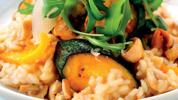 Rizoto se zeleninou marinovanou v sójové omáčce