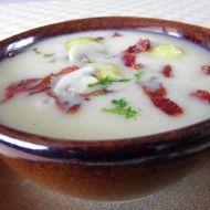 Polévka z růžičkové kapusty se slaninou recept