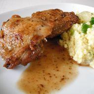 Kuřecí stehýnka s jáhlovou přílohou recept