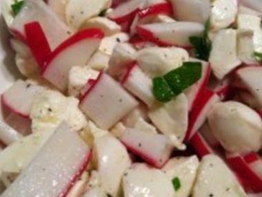 Ředkvičkový salát s vejci
