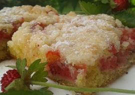Rychlý jogurtový koláč s jahodami recept