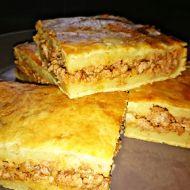 Slaný bramborový koláč plněný mletým masem recept