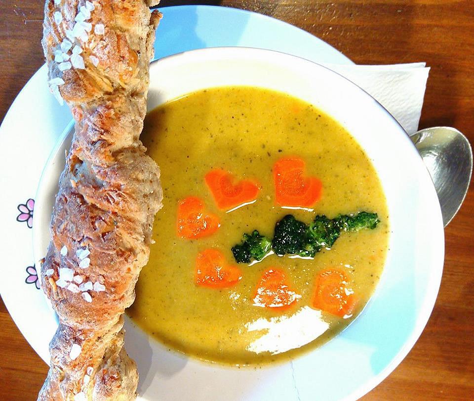 Rychlý zeleninový krém s provensálským rohlíčkem recept ...