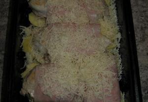 Majolkové kuřecí plátky se slaninou a cibulí zapečené sýrem ...
