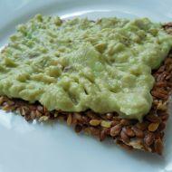Lněné crackery s avokádovou pomazánkou recept