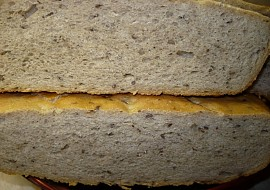 Chléb pečený v římském hrnci  postup recept