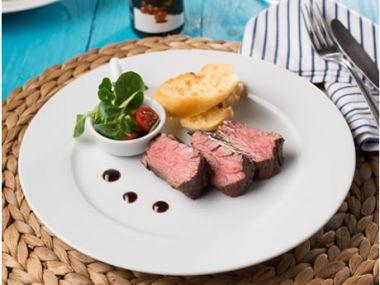 Steak z hovězího pupku marinovaný v klasickém balzamikovém krému
