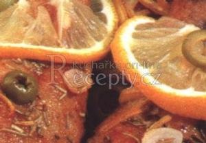 Kuřecí stehna s citronem a rozmarýnem