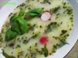 Třídruhová polévka s bazalkou a kuskusem recept